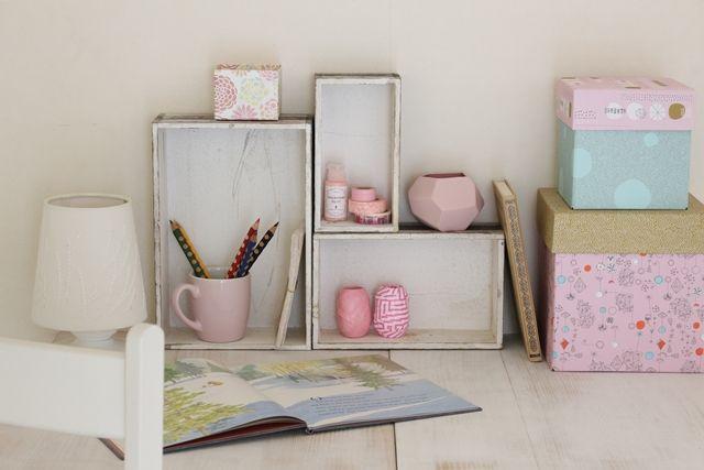 バッグ型のジュエリーボックスとボックスでつくる飾り棚