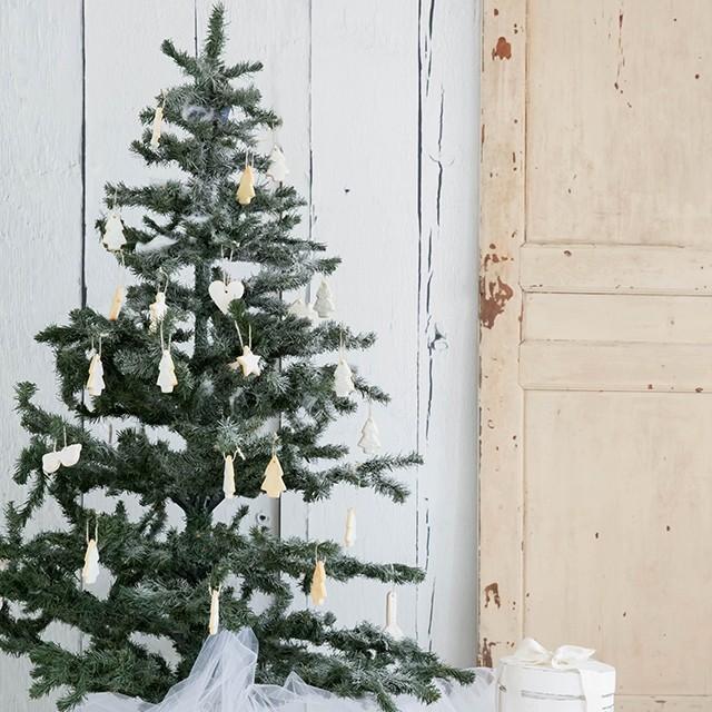 キラキラ・アイシングクッキーをクリスマスのオーナメントにして楽しみませんか?