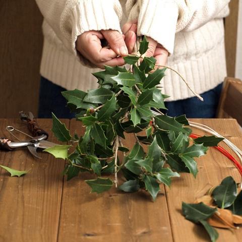 【節分】ヒイラギスワッグの作り方 ~葉っぱを魚に見立てて~