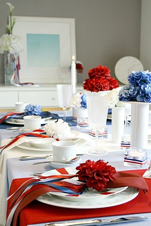 パリ祭を楽しむ♪ トリコロールのテーブルで女子会開催!