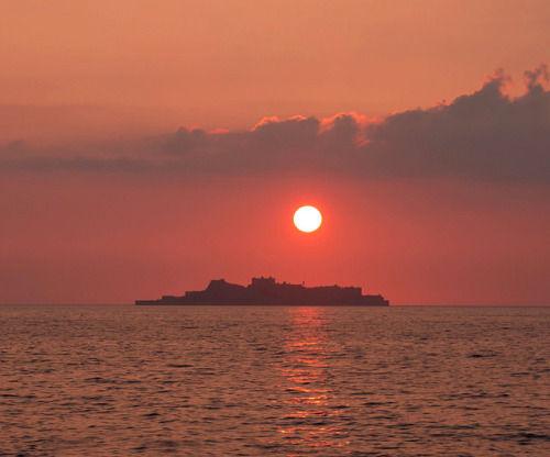 長崎・軍艦島 ~ 明治日本の産業革命遺産として世界文化遺産勧告へ