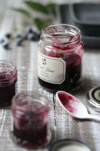 赤ワインで大人の味♪夏の名残りのブルーベリージャム