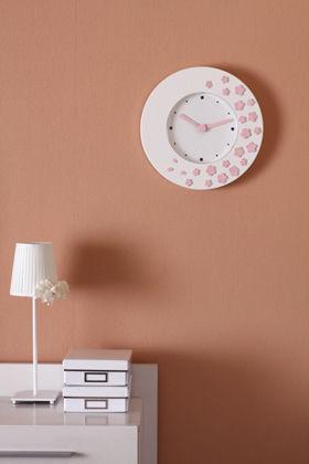 新たな時を刻む時計に、クレイでデコ!