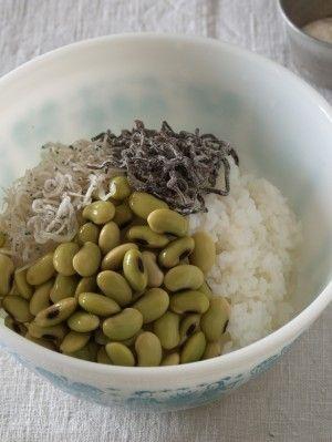 炊きたてごはんにすべての材料を入れ、 混ぜ合わせて出来上がりです