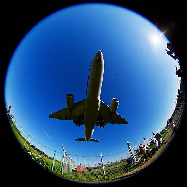大人女子も夢中になれる飛行機撮影! 伊丹空港周辺撮影スポットめぐり