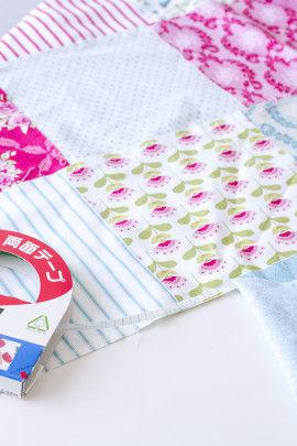 5.欲しい長さの布ができたら 今度は、好みの幅になるように 列同志を貼りあわせます。 貼った上から指でしっかり押し付けてね