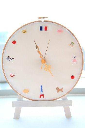 刺繍枠を使ったオリジナル時計~ウサギ編~