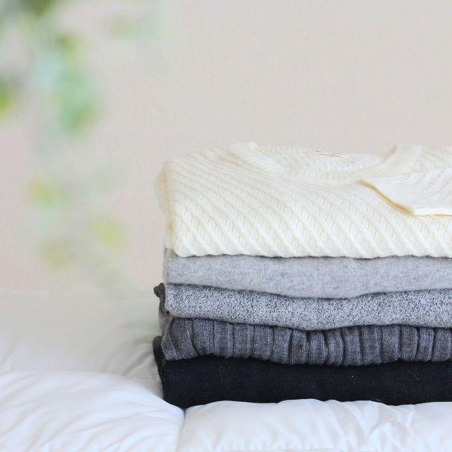 簡単&裏ワザ!セーターに開いた虫食いの穴を塞ぐ方法