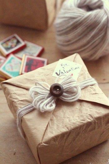 100円のモヘアの毛糸で、簡単ふわふわラッピング