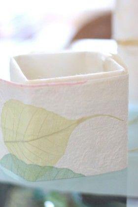 新鮮!和紙の器と純白の花のお正月アレンジメント
