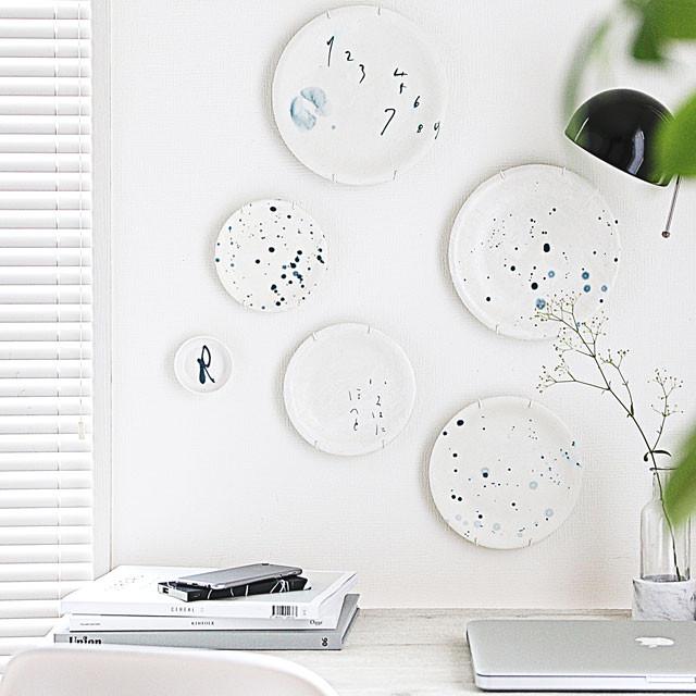 """""""お皿""""を壁に飾りたい♪ 半紙でデコパージュした手書きの海外風プレートインテリア"""