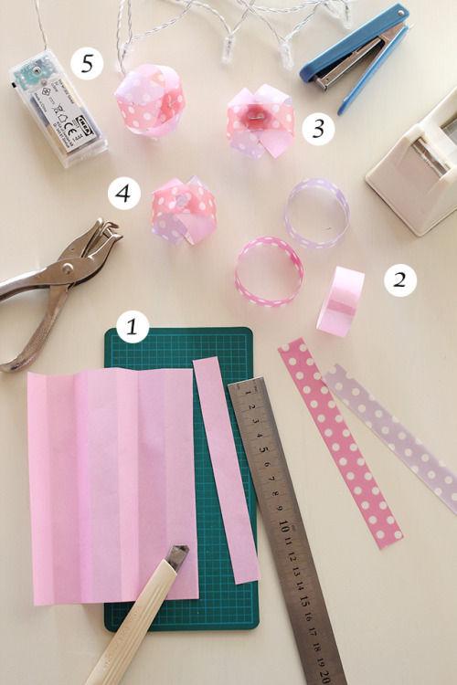 折り紙で作るぼんぼり風ライト