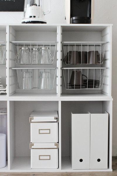 レシピ本などはファイルボックスに入れておけばOK! 乾物のストックなどはボックスへ入れるなど、 収納アイテムを使うとさまざまなアイテムが収納出来ます。