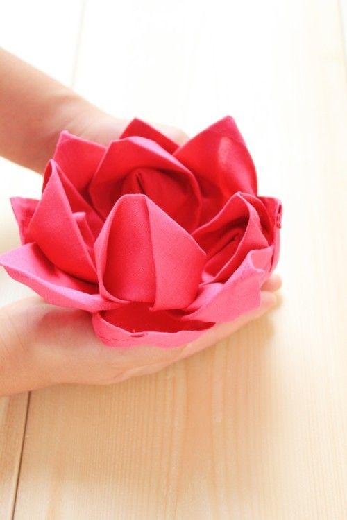 """""""お帰りなさい、かわいいお盆でおもてなし""""~ナプキンのハスの花"""