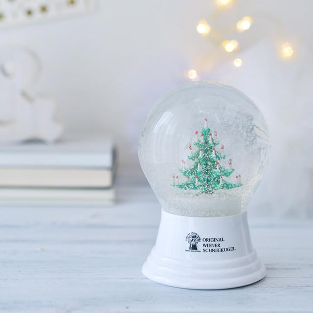 クリスマスディスプレイに使える!LEDライトとスノーグローブ~ 「ナチュラルな暮らしのヒント」から