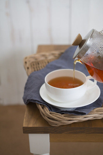 神様にしか作れない赤土から出来た 沖縄の紅茶「月のかほり」