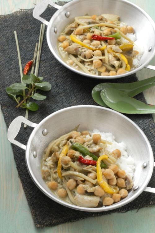 ひよこ豆のココナッツグリーンカレー