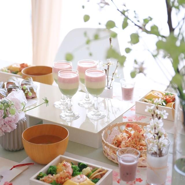 お家でお花見パーティー♪ 桜色の簡単な飾り方アイデア