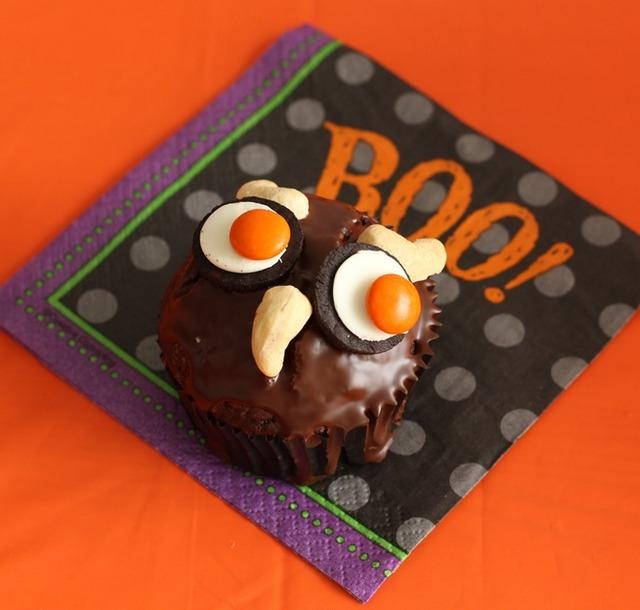 オレオで簡単!フクロウのハロウィーンケーキ