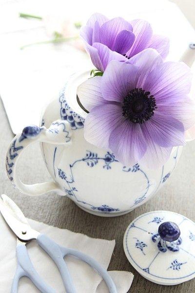 季節のお花を簡単に入れるだけ。