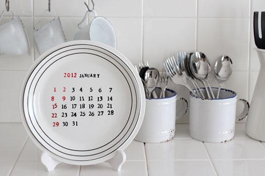 捨てる前にスタンプ!お皿でマンスリーカレンダー