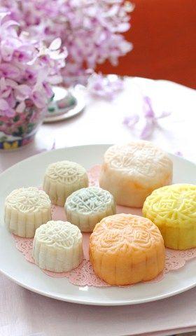 シンガポールより 中秋節に人気!生タイプ月餅「スノースキン・ムーンケーキ」