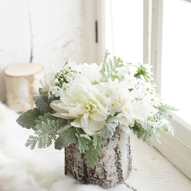 【冬の花色配色】ホワイト&シルバー シンプルで洗練された印象に!花選び&色合わせのコツ