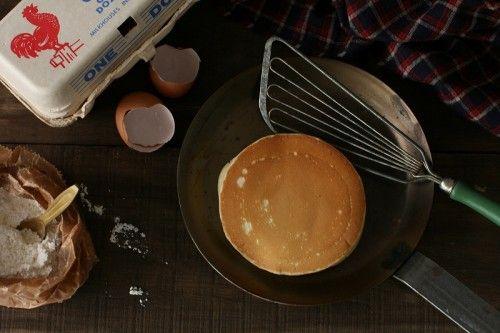 米粉のパンケーキ りんごのキャラメリゼ添え