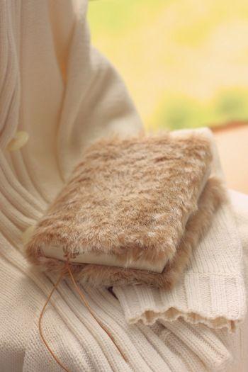 暖かい♪バンビ風のファーのブックカバー