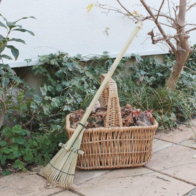 大掃除の最後は庭掃除♪ 便利な「熊手」と「竹ほうき」がオススメ