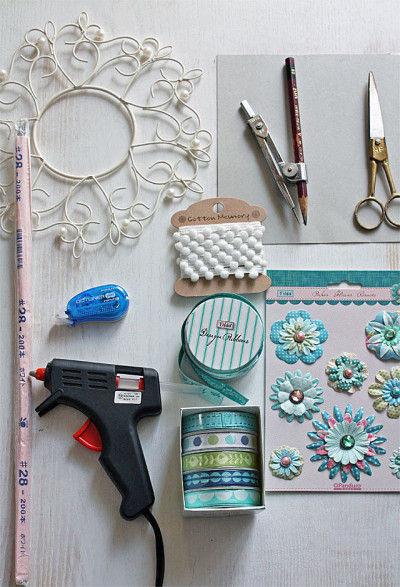 Tildaのリボン8種 TildaのPaper Flower brads ボンボンテープ白 ワイヤーリース 厚紙、ワイヤー#28 はさみ、コンパス、グル—ガン、テープのり