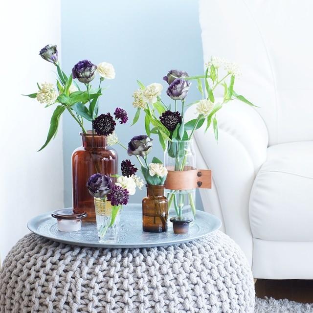 【秋の花色配色】ベージュ&バーガンディ 簡単に出来る小瓶のアレンジで、秋のインテリアに!