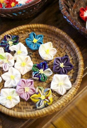 清楚な桔梗の花はミニクリップ。