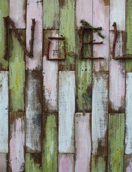 リース用のヒムロ杉の枝をカットしてNOELの文字を作り、木工用ボンドで貼りつけます。 これでスタイリングボードは完成です。