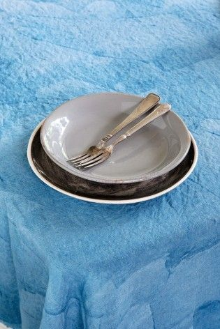 lino blue dish 005