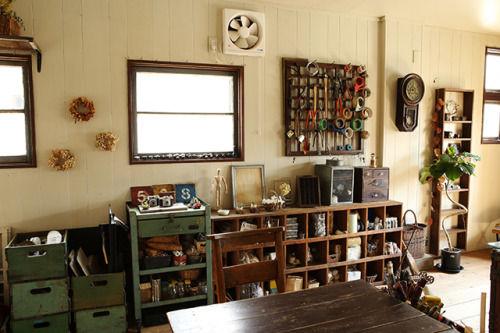 人気の男前インテリアが心地よい材木店