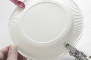 紙皿で簡単&かわいくスイーツをラッピング
