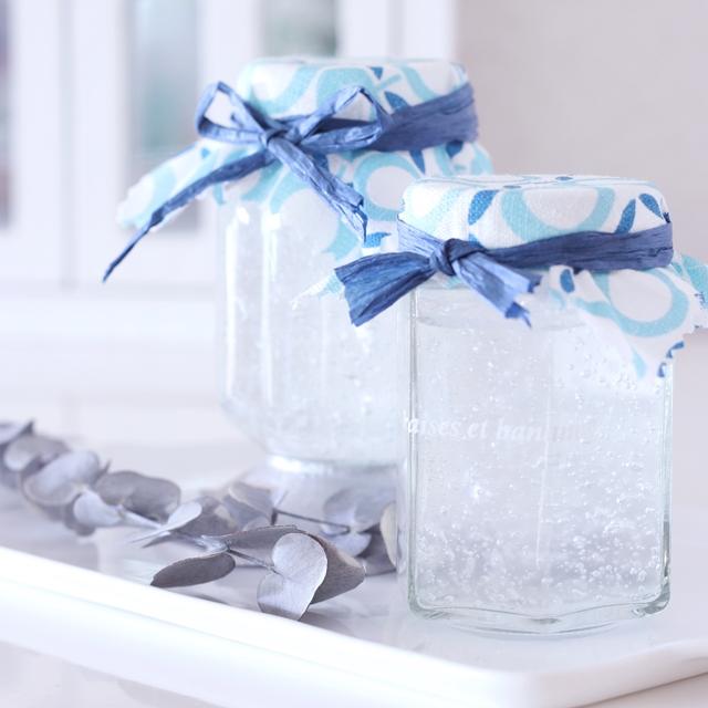 冷凍庫に眠っている保冷剤を活用♪ 100均で作るオリジナル芳香剤