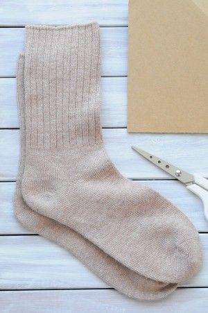 材料は、靴下と、おうちにある段ボールだけ!