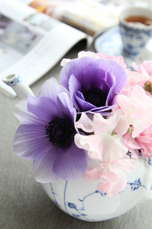 欠けちゃったお気に入りの紅茶ポットは花瓶に