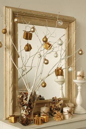 自然の枝で手作りのクリスマスアレンジ