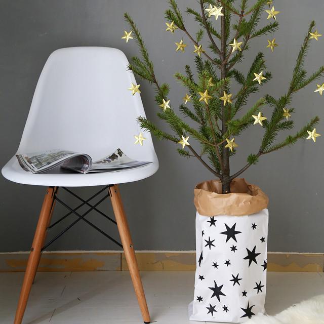 米袋×ダイソーのステンシルシートで、簡単♪ 北欧風クリスマス