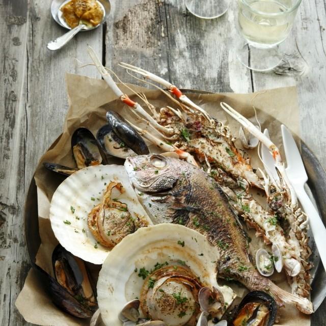 みんな大好きカレー風味! 豪快な魚介のグリルはクミンマヨネーズで夏の味に