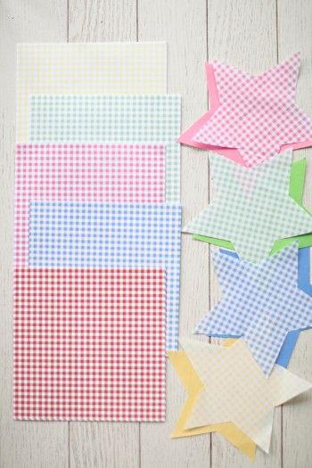 用意するのはお好きな色のマスキングテープと折り紙だけ^^ 折り紙は今回チェックを選んでみました。