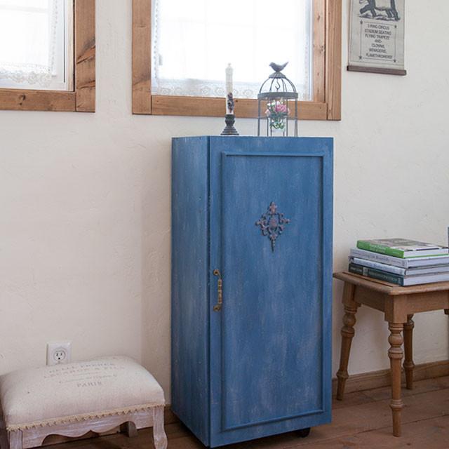 週末ペイントDIY♪ カラーボックスを簡単リメイク:扉をつけて隠す収納