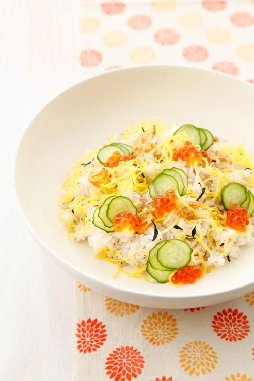 「トスサラ まろやかな京風ゆず味」で簡単ちらし寿司