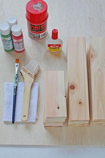 ベニヤ板(今回はヒノキのプラーク) オイルステイン アクリル絵の具 ぞうきん、刷毛、木工用ボンド  ※飾り用にヒムロ杉の枝
