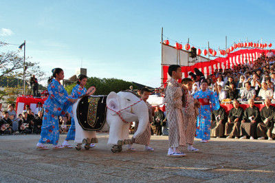 長崎秋の大祭「長崎くんち」レポート~踊町「桶屋町」のシンボル・象のお話~