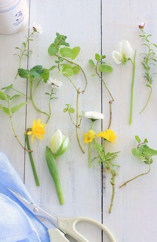 「庭摘みの花」でアレンジ
