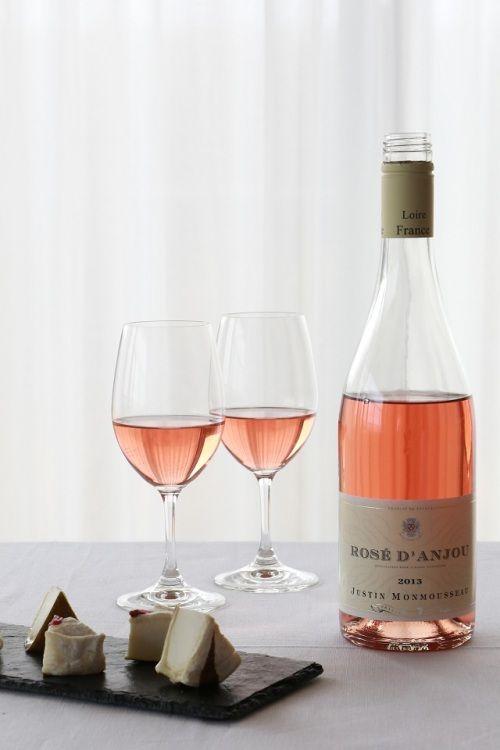 春におすすめ!! ロゼワインと桜の風味のするチーズ